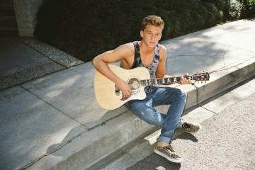 Cody-Simpson-New-Pub1-Photo-Credit-Harper-Smith