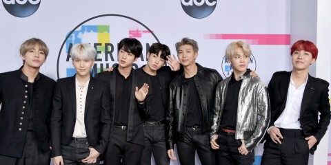 bts amas 2017 dna performance jungkook jimin v rm j-hope jin suga